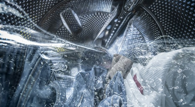Spijkerbroek verkleinen met (hete) wasmachine en droger