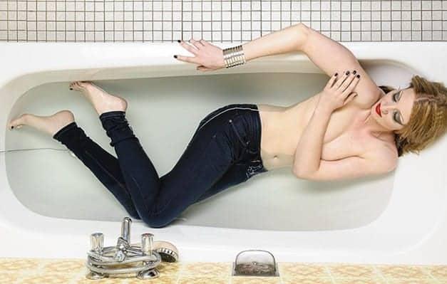 Neem een bad in je spijkerbroek