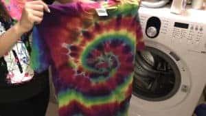 Als je het shirt uit de wasmachine haalt kan je het resultaat al goed zien