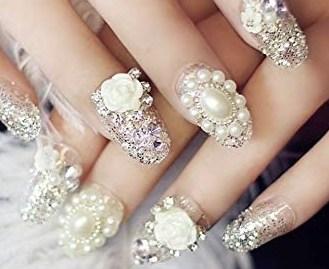 nageldesigns - stenen diamantjes en glitter (acrylnagels)